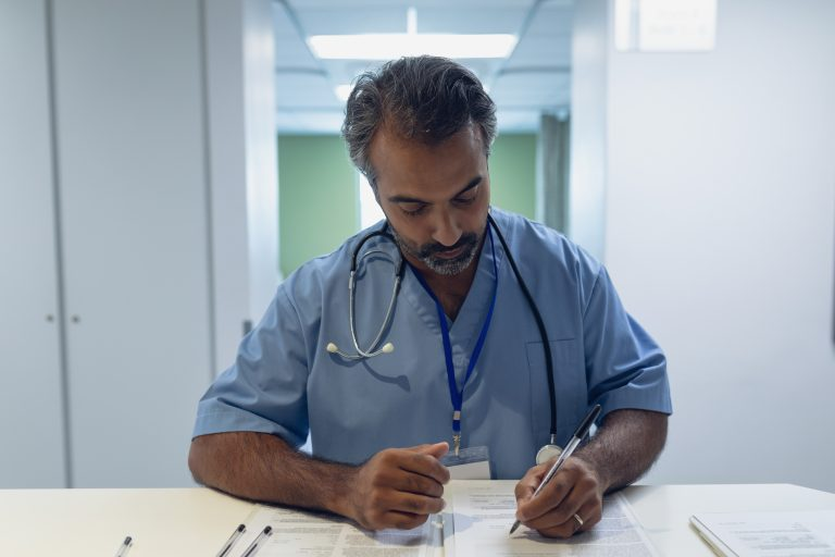 How-to-Become-a-Virtual-Medical-Scribe